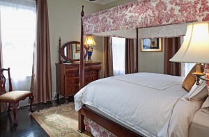 Queen Bedroom in the Remington Suite