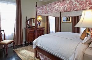 Queen Bedroom in the Remington Suite